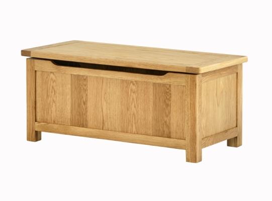 1175-Blanket-Box-Oak.jpg 812 600 1.3533333333333